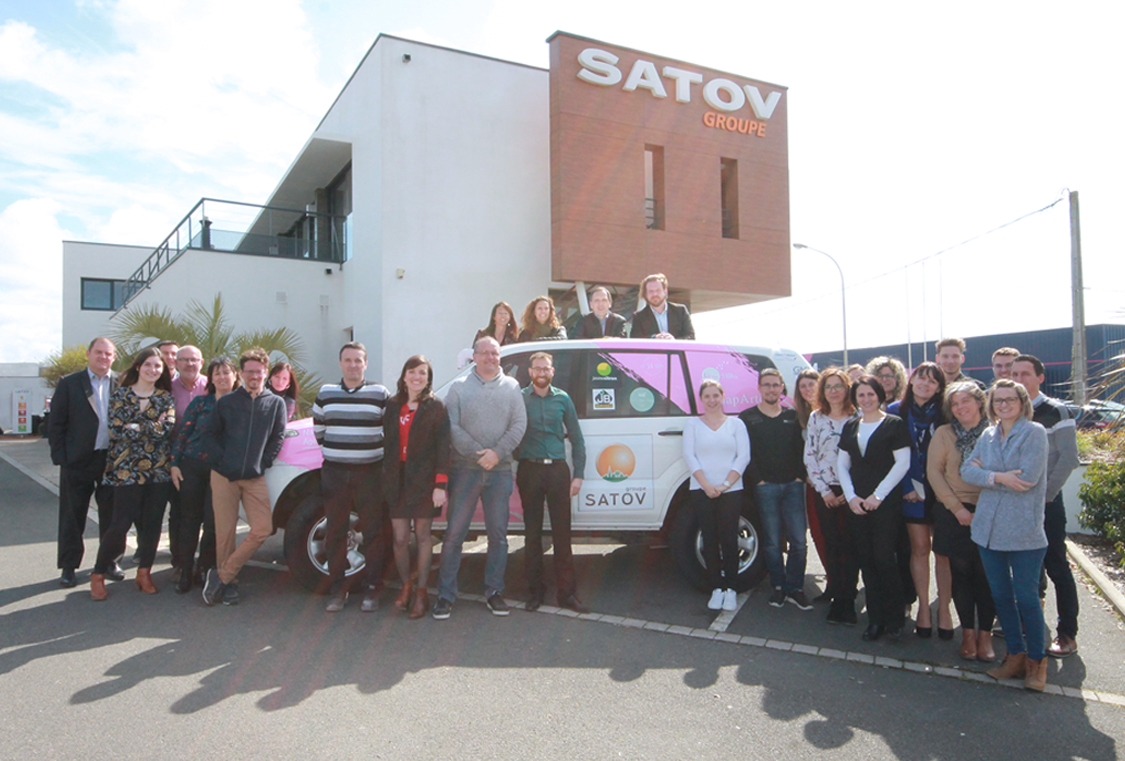 Les sablaises du désert et l equipe SATOV